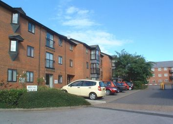 Thumbnail 2 bed flat for sale in Regal Court, Hitchin, Hertfordshire