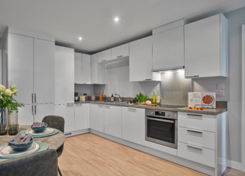 3 bed flat to rent in Waterman Walk, Salford M50
