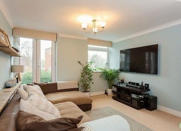Thumbnail 2 bedroom flat for sale in Harefields, Oxford