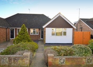 Thumbnail 3 bed bungalow to rent in Warden Hill Road, Luton