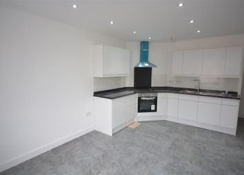 Thumbnail 4 bed flat to rent in Waterloo Road, Epsom