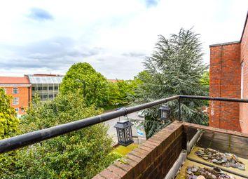 Cornel House, Osborne Road, Windsor SL4. 2 bed flat