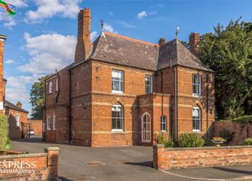 Thumbnail 5 bed town house for sale in Eastgate, Louth, Lincolnshire
