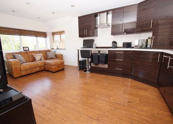 Thumbnail 1 bed flat for sale in Lansdowne Drive, Rayleigh