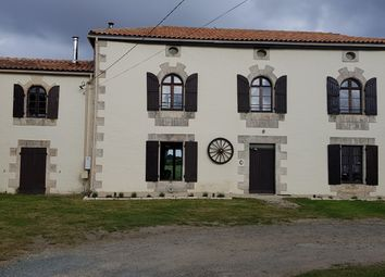 Thumbnail Hotel/guest house for sale in The Marais Poitevin Park, Deux-Sèvres, Poitou-Charentes, France
