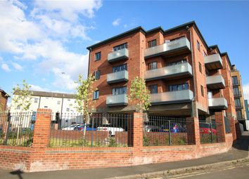 2 bed flat for sale in Weldale Street, Reading, Berkshire RG1