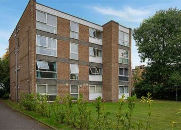 Thumbnail 2 bed flat for sale in Fortis Green, London