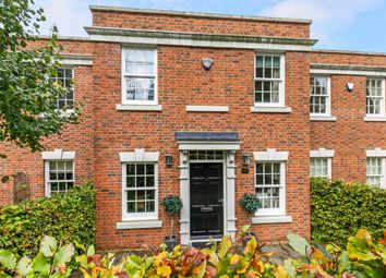 Thumbnail 3 bedroom flat to rent in Elizabeth Place, Winchester