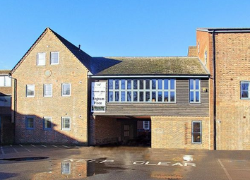 Regnum Place, South Street, Chichester PO19. 2 bed flat for sale