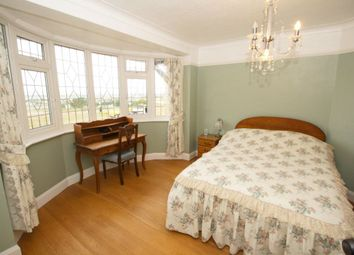 Thumbnail 1 bed flat to rent in Marine Parade, Leigh-On-Sea