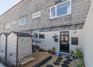 Thumbnail 2 bedroom flat for sale in Chaucer Way, Hoddesdon, Hertfordshire