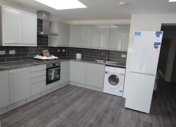 Thumbnail 2 bed flat to rent in Bilton Road, Perivale