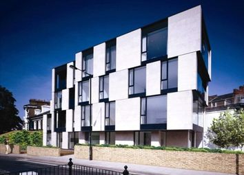 Thumbnail 2 bed flat to rent in Latitude House, Oval Road, London