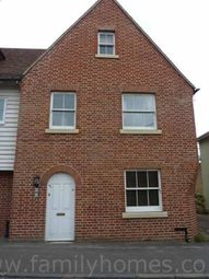 2 bed maisonette to rent in Crown Road, Milton Regis, Sittingbourne ME10