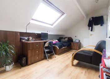 Thumbnail 1 bed property to rent in Flat 3, 168 Burley Road, Leeds
