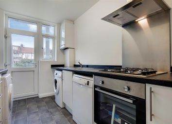 Westminster Close, Ilford IG6. 2 bed flat
