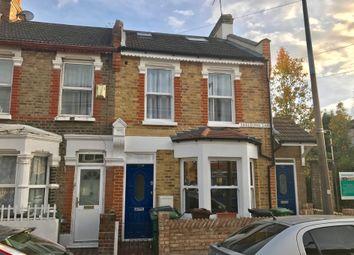 Thumbnail 2 bed flat to rent in Skeltons Lane, London