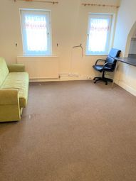 2 bed maisonette to rent in Durban Road, London N17