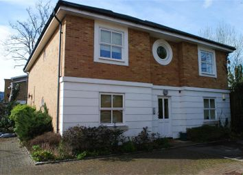 Thumbnail 1 bedroom flat for sale in Baylis Mews, Twickenham