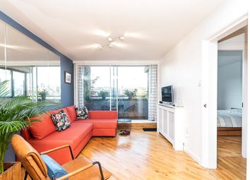 Falcon Point, Hopton Street, South Bank SE1. 1 bed flat