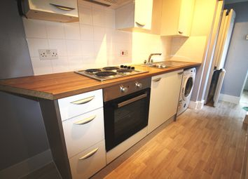 Thumbnail 1 bed flat to rent in Mason Street, Flat 1, Central Reading