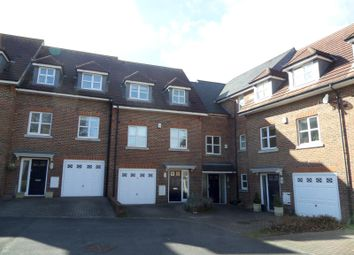 Thumbnail 2 bed flat to rent in Amy Gardens, Hamble, Southampton