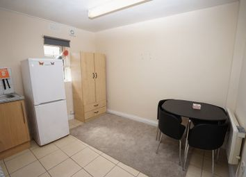 Thumbnail Studio to rent in Romford Road, Manor Park