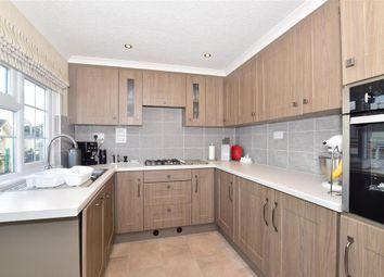 2 bed mobile/park home for sale in Woodlands Park, Biddenden, Ashford, Kent TN27