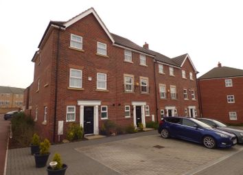 Thumbnail 3 bedroom town house for sale in Lake View, Houghton Regis, Dunstable