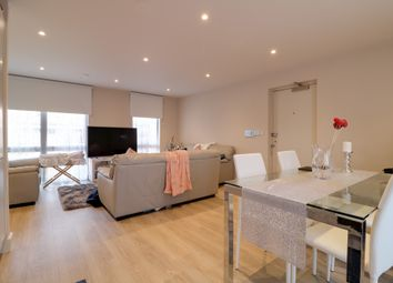 Thumbnail 2 bed flat for sale in Water Lane, Cambridge