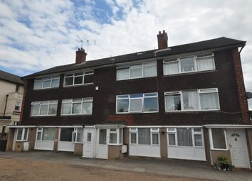 2 bed maisonette to rent in Carlton Avenue, Greenhithe DA9