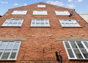 Thumbnail 2 bed flat to rent in Church Lane, Banbury