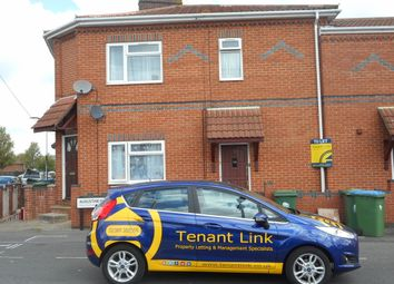 Thumbnail 1 bed flat to rent in Radcliffe Road, Southampton