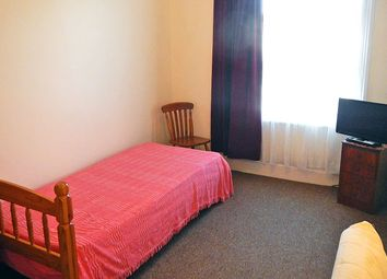 Thumbnail Room to rent in Fordwych Road, Kilburn, London