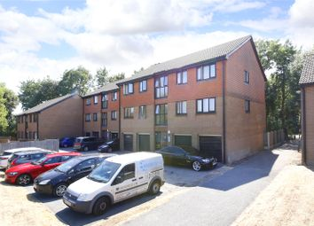 Thumbnail 2 bed flat to rent in York Close, London