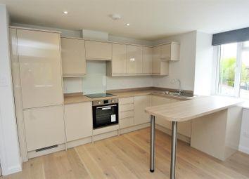 3 bed flat to rent in Queens Road, Weybridge KT13