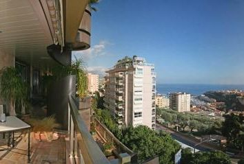 Thumbnail 3 bedroom apartment for sale in Jardin Exotique, Monaco, 98000