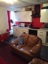 Thumbnail 3 bed flat to rent in Woodsley Road, Hyde Park, Leeds
