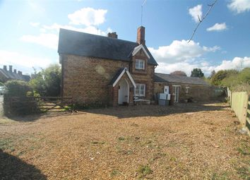 Thumbnail 3 bed cottage to rent in Sywell, Northampton