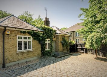 Thumbnail 3 bedroom detached house for sale in Bush Hill Road, Winchmore Hill