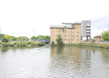 Thumbnail Studio to rent in Quayside House, Barking
