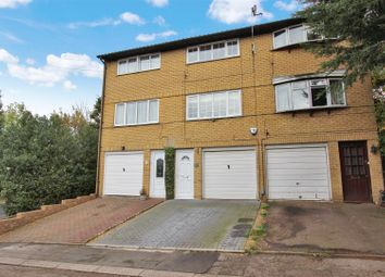Thumbnail 2 bedroom town house for sale in Simmonds Rise, Corner Hall, Hemel Hempstead