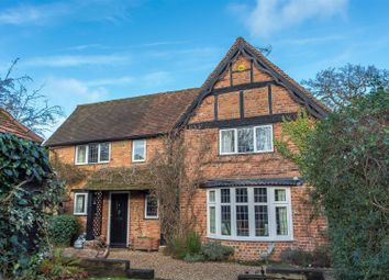 Thumbnail 3 bed cottage for sale in Waltham Road, Twyford, Reading