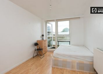 Thumbnail 2 bedroom flat to rent in St. Peter's Way, London