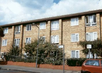1 bed flat for sale in Glebelands Avenue, London E18