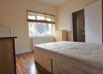 Thumbnail 1 bed flat to rent in Ashurst Drive, Ilford