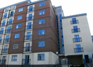 1 bed flat to rent in Wellington House, Swindon, Wiltshire SN1