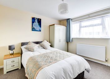 Thumbnail Room to rent in Dovedale Crescent, Crawley