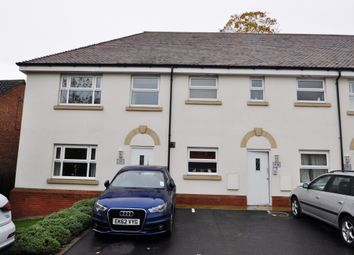 Kingsgate, Rayleigh, Essex SS6. 2 bed flat