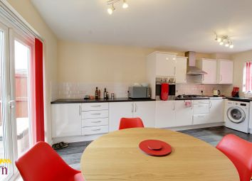 Thumbnail 3 bed property to rent in Hainsworth Park, Hull